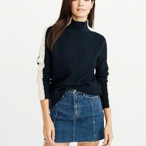Abercrombie & Fitch Side Striped Turtle Neck